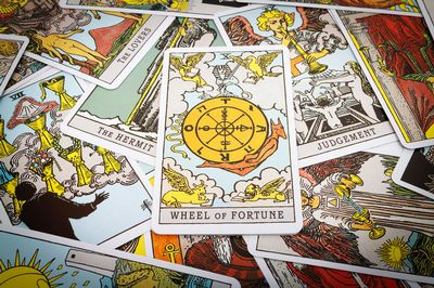 Author Thomas Saunders explores characters, writing, and the Tarot.